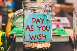 Słoik z pieniędzmi na marzenia